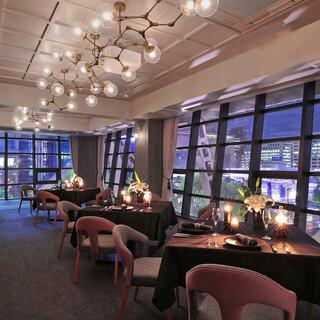 誕生日・記念日・デート利用に最適な空間とロマンチックな夜景