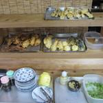 純手打ちうどん のぶ - 天ぷらコーナー