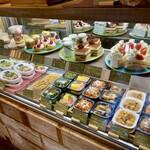 148CAFE - ケーキ&お惣菜のケース