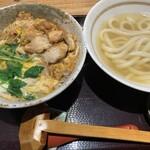 151221250 - 日南鶏の炙り親子丼セット(¥950)