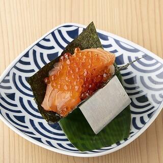 オリジナル名物「寿司ドッグ」