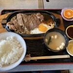 レストラン二条 - 料理写真:サーロインステーキ
