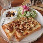 モムズ カフェ - 料理写真:トーストセット