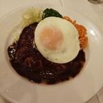 レストラン桂 - ハンバーグ。付け合わせのナポリタンが また旨い。