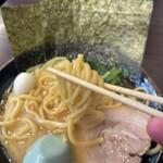 大黒家 - 麺リフト修行中