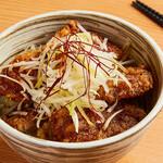 四川担々麺 赤い鯨 - パイコー丼(テイクアウト限定)