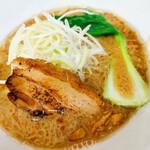 四川担々麺 赤い鯨 - 自家製醤油麺