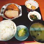 中川 - 【ランチ】ムツかま大根煮付定食(¥800)