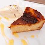 桜キッチンカフェ - ゴルゴンゾーラチーズケーキ