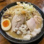 八ちゃんラーメン - 肉玉味噌そば(並)¥1030(税込)