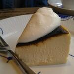 ミンガスコーヒー - バスクチーズケーキ