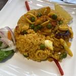 ペルー料理 ミラフローレス - 海の幸で炊き込んだシーフードパエリア