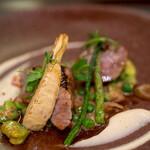 CANNA - 料理写真:茶葉香る仔牛のローストと筍ピュレ 空豆とグリーンピースのフリカッセ
