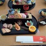 足和田ホテル - 料理写真:朝食のおせち料理