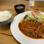 洋食のくんた - 料理写真:ポークチャップ ライス大盛り