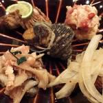 15131252 - 「五点盛り合わせ」:ささみと舞茸の紅葉和え、のどぐろ塩焼き、無花果の白和え、牡蠣の南蛮漬け、姫さざえのうま煮