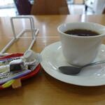 カフェレスト花泉 - ドリンク写真:コーヒー(400円)