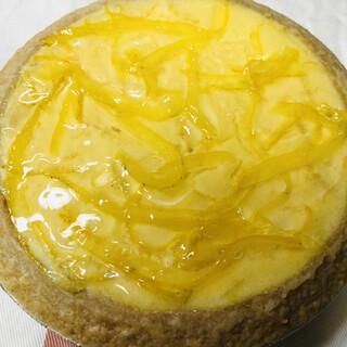 ガトーよこはま - 料理写真:季節限定の夏みかん風味です