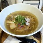 RAMEN CAFE de IINO - 料理写真:あっさりIINO塩煮干