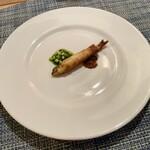 Audace - 旬をひとくち:稚鮎のフリット クレソンのソース 肝のソース