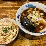 銀の豚 - 料理写真:「かつおらあめん」730円税込み+「チャマヨ丼」300円税込み