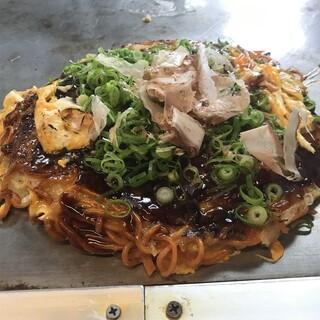 平の家 - 料理写真:スペシャル辛麺肉玉セミ