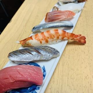 【おすすめ江戸前鮨】にぎり8種