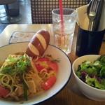 WIRED CAFE - 【2012年10月】TOM-YAMチキンパスタ(サラダ・ドリンク付950円)