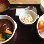 ごはん屋カフェ風舎 - デミグラス(煮込みハンバーグ)