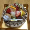 マコリーヌ神戸 - 料理写真:フルーツ チョコ[ホールケーキ]①