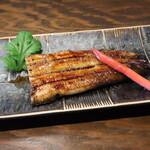 三河雑魚肴房 やま六 - 鰻の蒲焼き