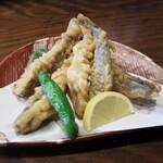 三河雑魚肴房 やま六 - メヒカリの唐揚