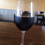 amano - ドリンク写真:グラスワインの赤 600円