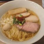 実垂穂 - 無添加魚介出汁の中華そば 塩 (上)  麺大盛り