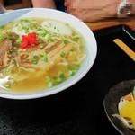つた家 - 料理写真:沖縄そば