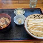 元祖武蔵野うどん めんこや - 肉汁うどん  並盛     紅    ¥742