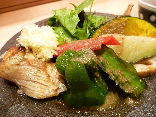 元永 - 赤むつと野菜のグリル・・旬の野菜が満載ですね。赤むつの上には茹で栗のすりおろし。  赤むつは脂がのり美味しい。お野菜には赤むつの骨からとったソースが掛けられていました。