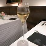 リストランテ・ホンダ - まずは、スパークリングで乾杯