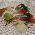リストランテ・ホンダ - 北海道産 秋刀魚のカルパッチョ 百合根と万願寺唐辛子とともに 肝ドレッシング