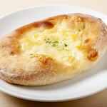 今日和 - フォカッチャ(チーズオリーブ)