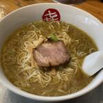 中華そば まるき - 料理写真:中華そば(小)800円
