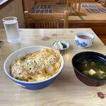 長谷六食堂 - 料理写真:カツ丼(ご飯少なめ)