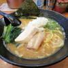 三代目麺処まるは極 - 料理写真:鶏白湯らーめん 800円