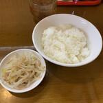 トーフラーメン 幸楊 - 料理写真:ライス、茹でもやし付き