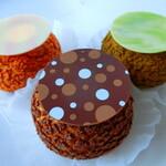 シューアラクレーム カプリ - 料理写真:ラズベリー、ティラミス、抹茶