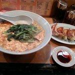 1515517 - タンタンメン+にら&餃子