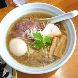鶏中華そば だまや - 料理写真:鶏白湯しょうゆ味玉子入 880円
