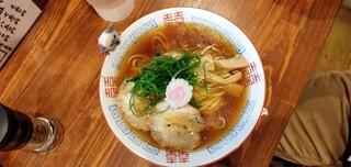 麺屋 隊長 - 魚介中華そば 中細平打ち麺