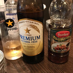 ロスオーチャー - ドリンク写真:ノンアルコールビールとナンプラー (このナンプラー美味しいんです〜)