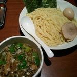 東京とんこつ 萬燈行 - つけ麺